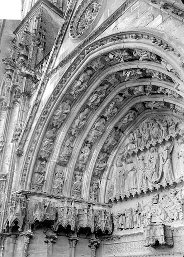Cathédrale Saint-Etienne Deuxième portail de la façade ouest : voussure de gauche, Doucet ; Baudet (photographe),