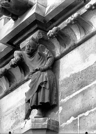 Cathédrale Notre-Dame Cariatide du cinquième contrefort, façade sud, Lajoie, Abel,