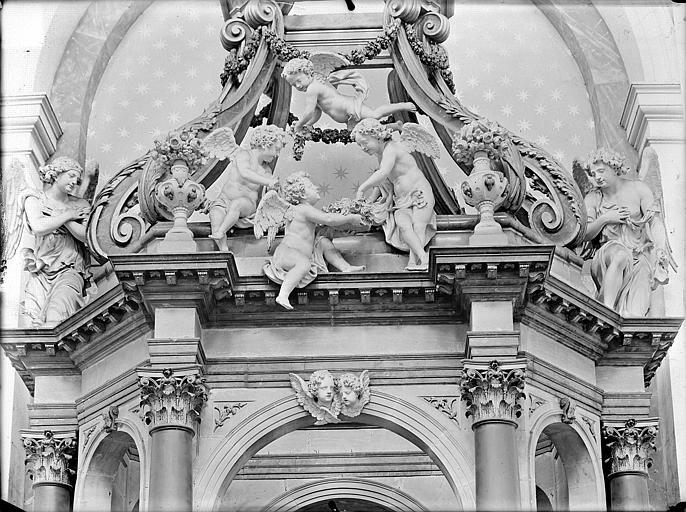 Hospice Sainte-Anne (ancien) Maître-autel, baldaquin, Gossin (photographe),