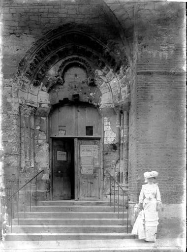 Eglise de la Madeleine Petit portail, Enlart, Camille (historien),