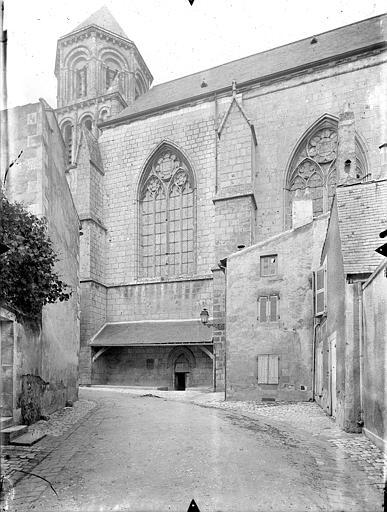 Eglise Sainte-Radegonde Façade sud, Gossin (photographe),
