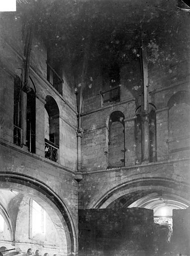 Eglise Saint-Nicolas (ancienne) Vue intérieure de la tour lanterne, Heuzé, Henri (photographe),