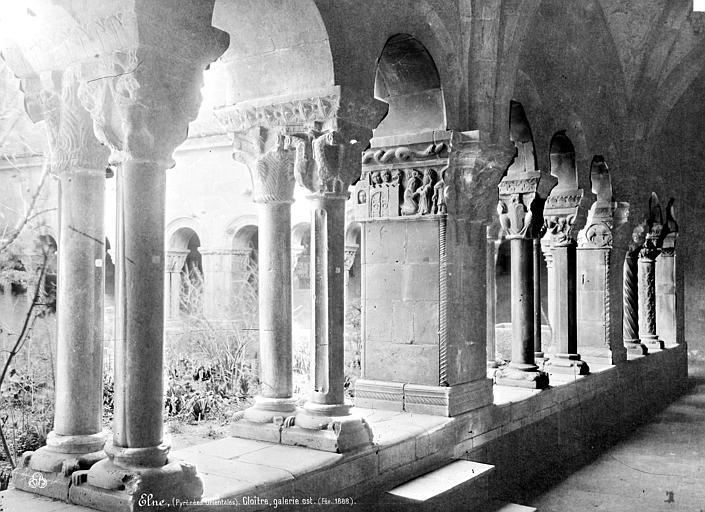 Eglise Cloître : Vue intérieure de la galerie est, Mieusement, Médéric (photographe),