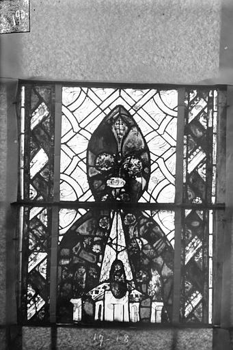 Eglise Saint-Gengoult Vitrail du transept sud, fenêtre A, 2ème lancette, panneaux supérieurs 17, 18, Romanais (photographe),