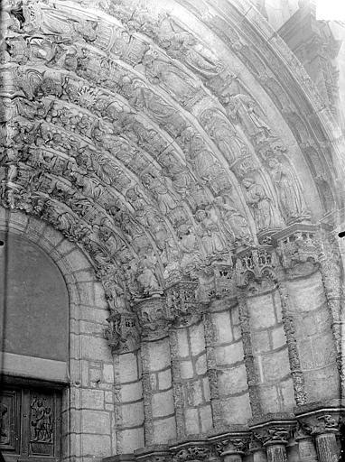 Eglise Saint-Michel Portail sud de la façade ouest : Voussures de droite, Gossin (photographe),