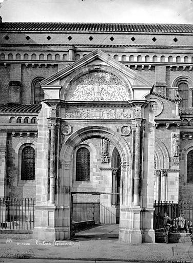 Eglise Saint-Sernin Façade sud : Porte Bachelier, Mieusement, Médéric (photographe),