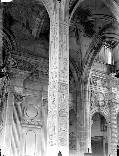 Eglise Saint-Gervais-Saint-Protais Bas-côté sud, piliers, détail, Gossin (photographe),