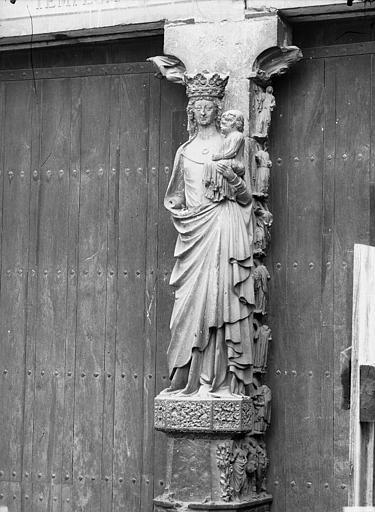 Cathédrale Notre-Dame Portail ouest, trumeau, statue de la Vierge et l'Enfant, Lajoie, Abel,