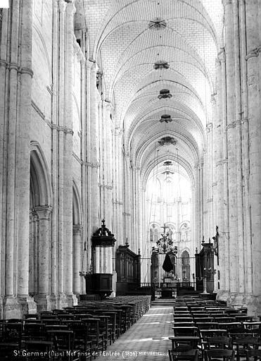 Eglise abbatiale Nef, vue de l'entrée, Mieusement, Médéric (photographe),