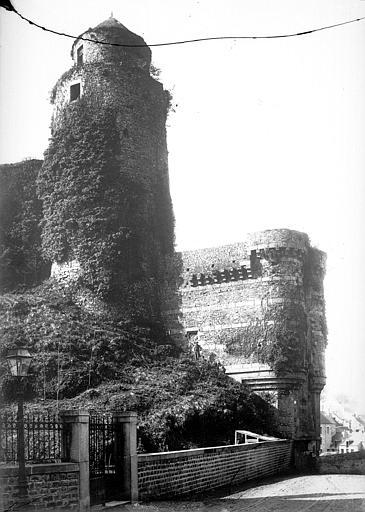 Château ; Remparts Côté ouest : Tour des Gobelins, tour de Surienne, Mieusement, Médéric (photographe),
