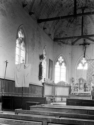 Eglise Nef, vue de l'entrée, Chaine, Henri (architecte),