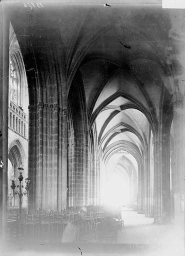 Cathédrale Saint-Corentin Bas-côté, Enlart, Camille (historien),