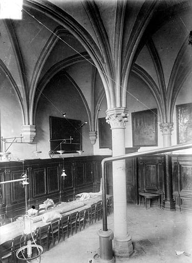 Abbaye Saint-Remi (ancienne) ; Hôtel-Dieu (ancien) Vue intérieure de l'ancienne salle capitulaire, Sainsaulieu, Max (photographe),