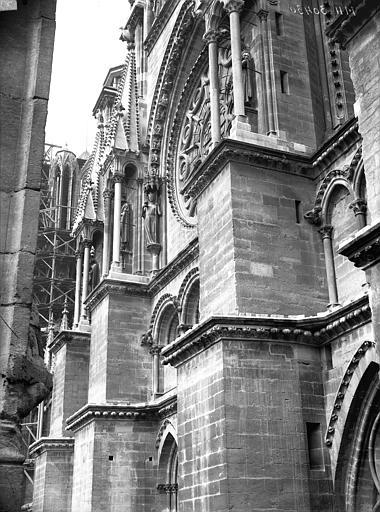 Cathédrale Notre-Dame Partie du bras sud du transept, prise de la cour de l'Archevêché, Lajoie, Abel,