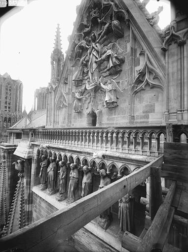Cathédrale Notre-Dame Pignon du transept sud, Galerie des Prophètes, l'Assomption, Lajoie, Abel,