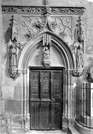 Cathédrale Saint-Etienne Crypte : porte d'entrée, Mieusement, Médéric (photographe),