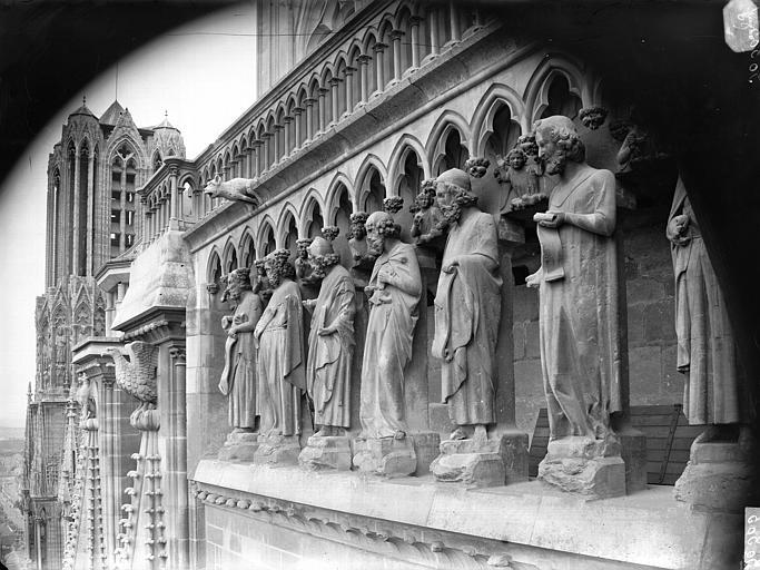 Cathédrale Notre-Dame Galerie des Prophètes, pignon sud, Lajoie, Abel,