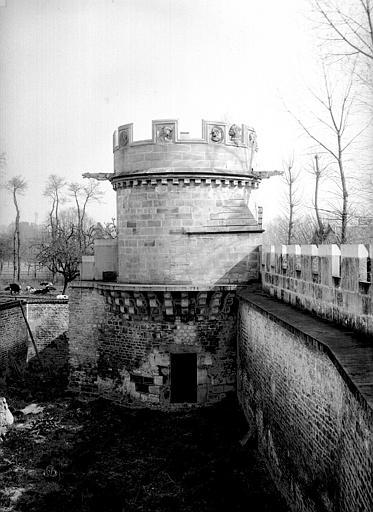 Maison dite des Gens d'Armes Tour et chemin de ronde, Durand, Eugène (photographe),
