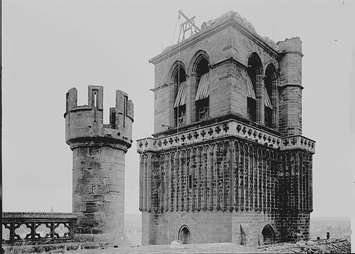 Cathédrale Saint-Nazaire Tour: partie haute, Enlart, Camille (historien),
