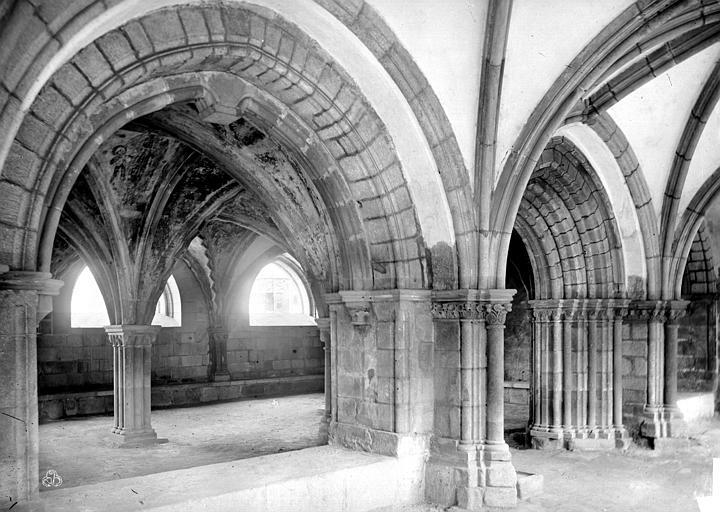 Cathédrale Saint-Martin Salle capitulaire : entrée, Mieusement, Médéric (photographe),