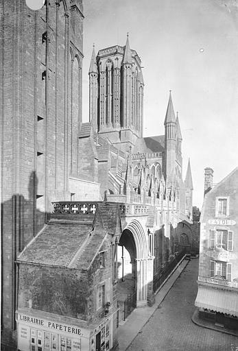 Cathédrale Notre-Dame Façade sud en perspective, vers l'est, Durand, Jean-Eugène (photographe),