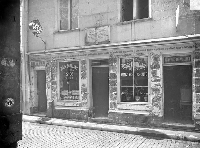 Maison dite de Nicolas Flamel Façade sur rue : rez-de-chaussée, Durand, Jean-Eugène (photographe),