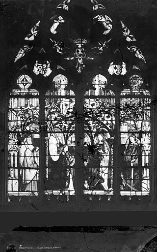 Cathédrale Saint-Etienne Vitrail : Baie Jacques Coeur, Leprévost (photographe),