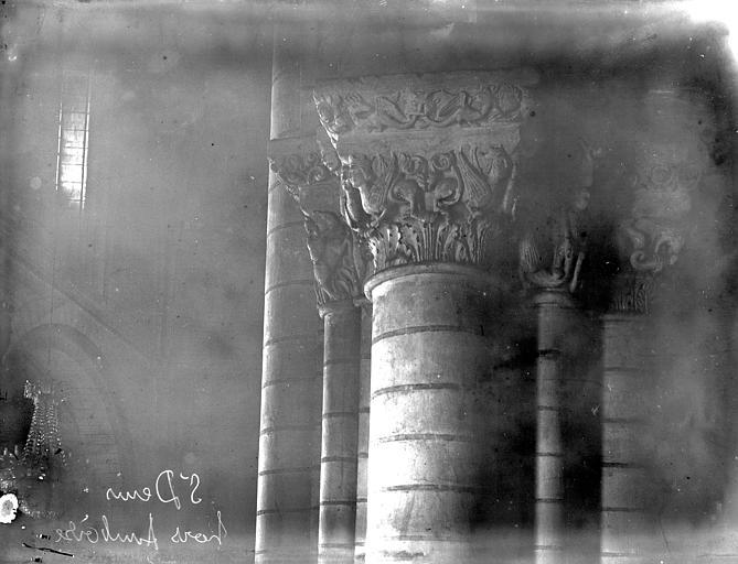 Eglise Saint-Denis Chapiteau, Enlart, Camille (historien),