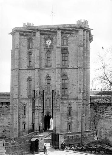 Château Porte nord, vue de face, Mieusement, Médéric (photographe),