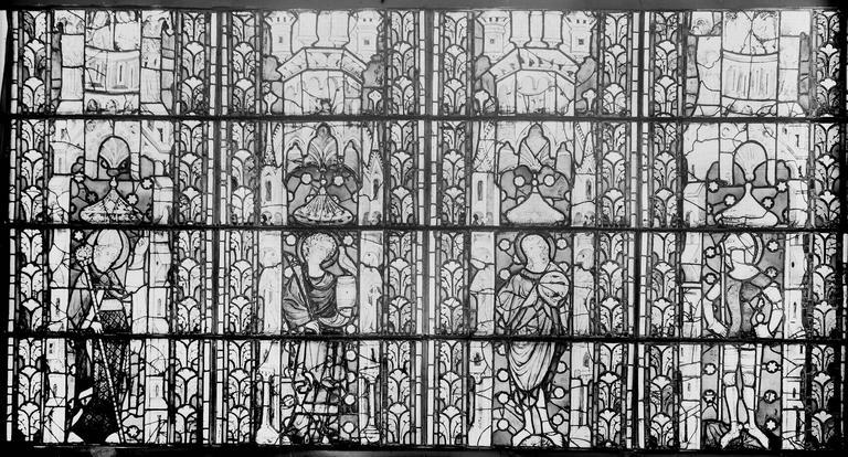 Eglise Saint-Gengoult Vitrail restauré, quatre figures, Romanais (photographe),