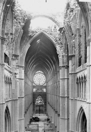 Cathédrale Notre-Dame Nef et choeur, Verneau, G.,