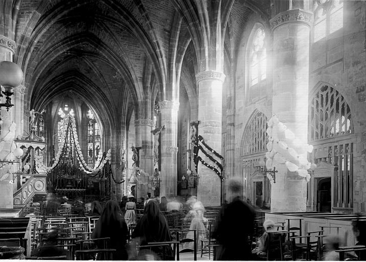 Collégiale Saint-Pierre (ancienne) ; Eglise Saint-Etienne Nef et bas-côté sud vus de l'entrée, Enlart, Camille (historien),