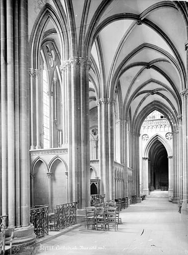 Cathédrale Notre-Dame Vue intérieure du bas-côté sud, vers l'ouest, Mieusement, Médéric (photographe),