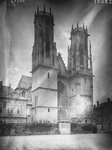 Eglise Saint-Martin Ensemble ouest, Enlart, Camille (historien),