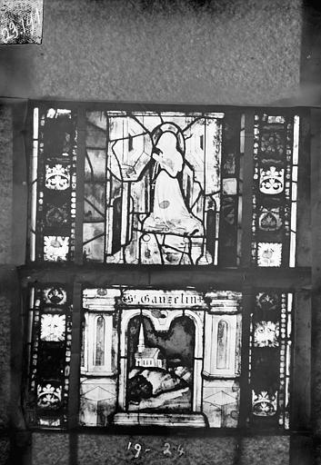Eglise Saint-Gengoult Vitrail du transept sud, fenêtre A, 3ème lancette, panneaux 19 et 24, Romanais (photographe),