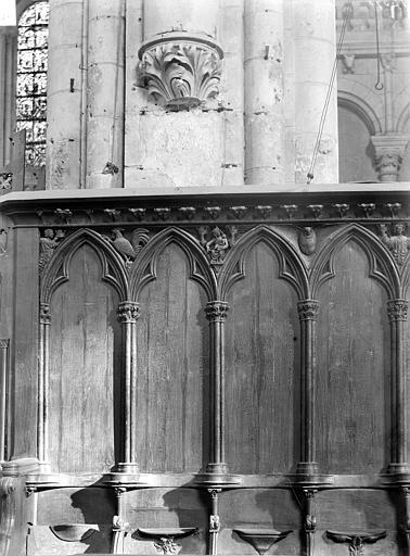 Cathédrale Saint-Pierre Stalles du choeur : Détail du dorsal, Robuchon, Jules,