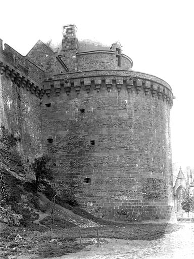 Château Tour Surienne, Durand, Jean-Eugène (photographe),