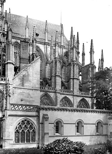 Cathédrale Notre-Dame Abside, côté sud, Mieusement, Médéric (photographe),
