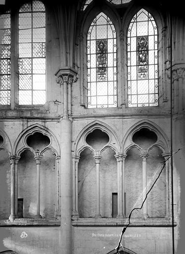 Eglise Saint-Etienne Triforium, Durand, Eugène (photographe),