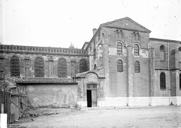 Cathédrale Saint-Apollinaire Façade, Enlart, Camille (historien),