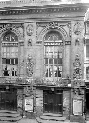 Théâtre Façade sur la rue : partie droite, Durand, Jean-Eugène (photographe),