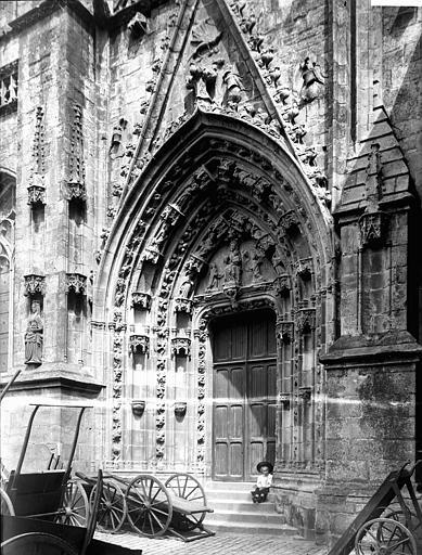 Cathédrale Saint-Corentin Portail, Enlart, Camille (historien),