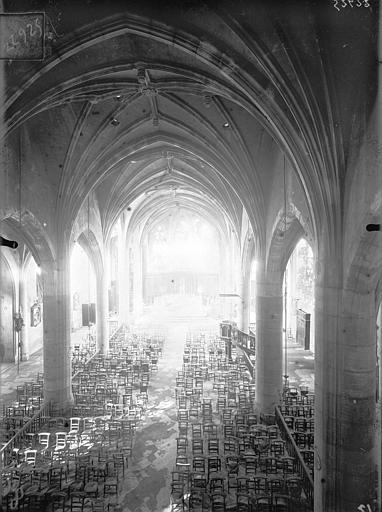 Eglise Saint-Laurent Vue intérieure de la nef vers le choeur, prise depuis la tribune, Queste, P. photographe),