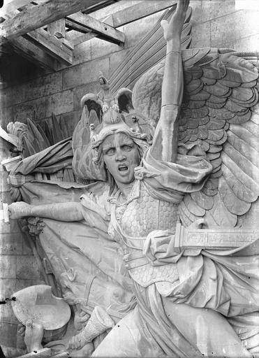 Arc de Triomphe de l'Etoile Buste de La Marseillaise, Durand, Eugène (photographe),