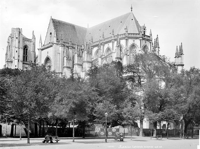 Cathédrale Saint-Pierre Ensemble sud-est, Mieusement, Médéric (photographe),