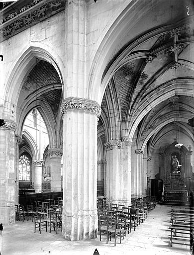 Eglise Saint-Gervais-Saint-Protais Déambulatoire, au sud, Gossin (photographe),