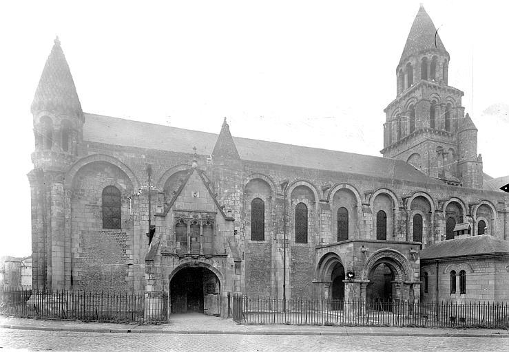 Eglise Notre-Dame-la-Grande Façade sud, Gossin (photographe),