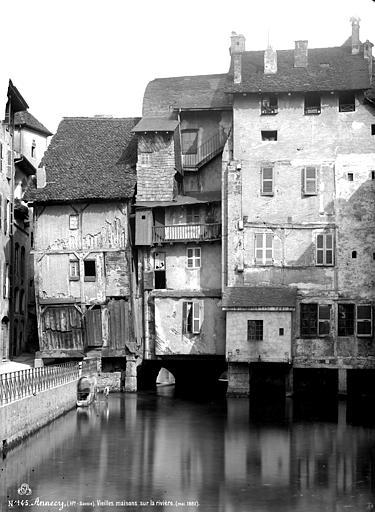 Maisons Vue sur la rivière, Mieusement, Médéric (photographe),