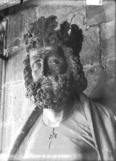 Cathédrale Notre-Dame Buste d'un roi, tour sud, Lajoie, Abel,