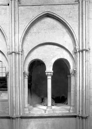 Eglise Saint-Remi Vue intérieure du transept : Travée de la tribune, Durand, Jean-Eugène (photographe),